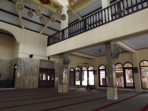 geser sedikit ke sudut masjid, betapa nyamannya masjid ini sampe ada yang bobo tuh hehehe